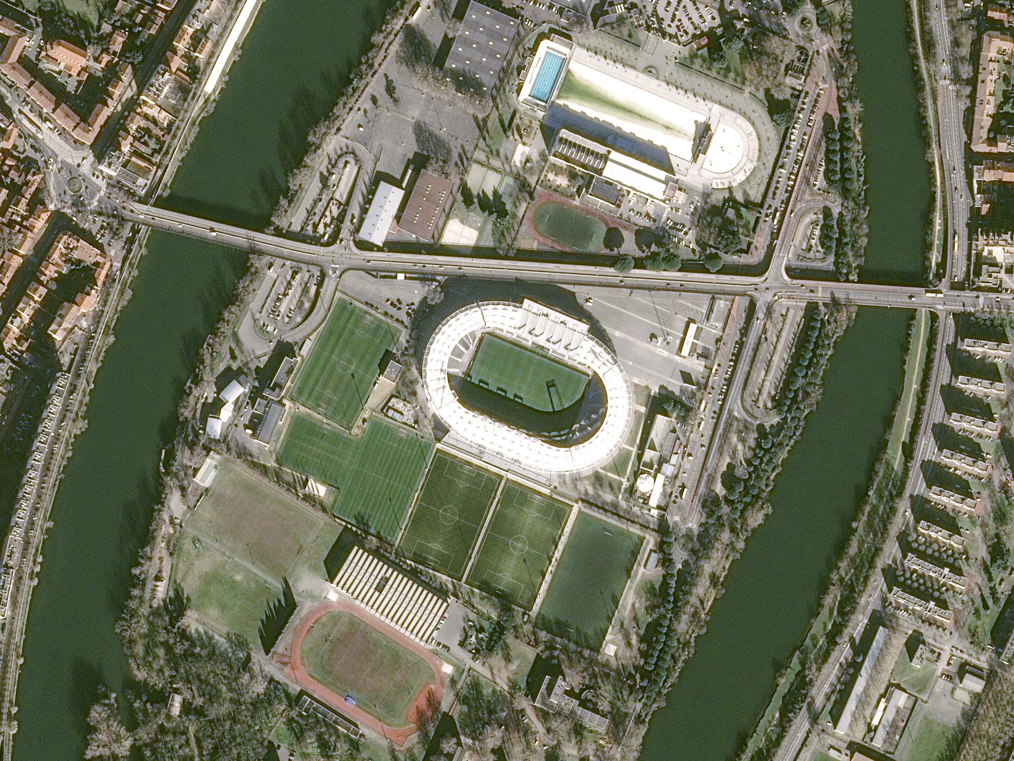 is_euro2016_stadium_toulouse_pleiades_20160205_v2.jpg