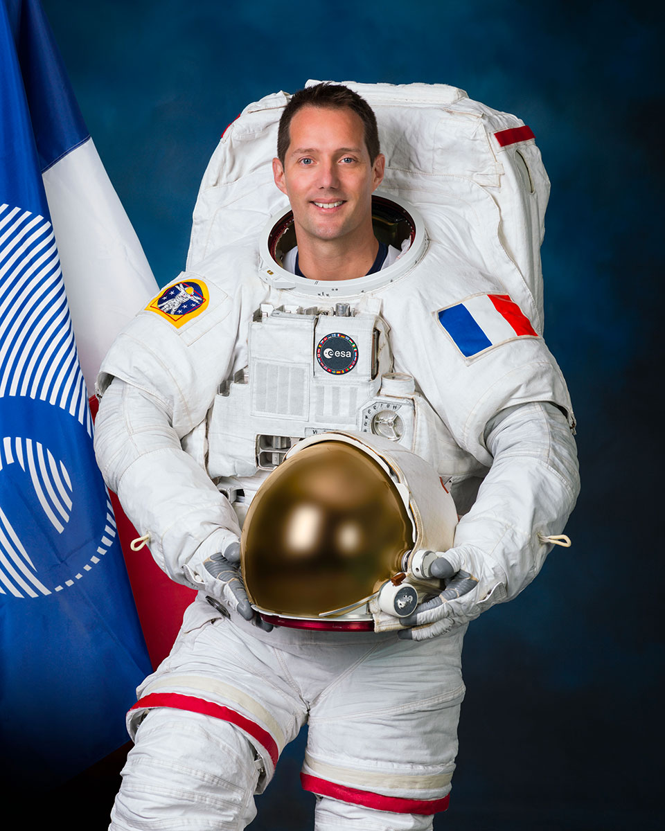 is_esa_astronaut_thomas_pesquet_in_the_us_spacewalk_suit.jpg