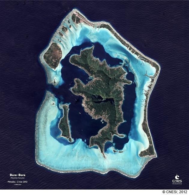 Bora-Bora vue par le satellite Pléiades.