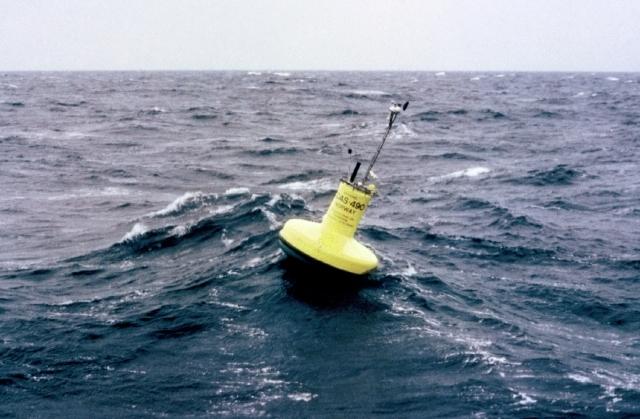 Floating transmitter. Credits : CNES.